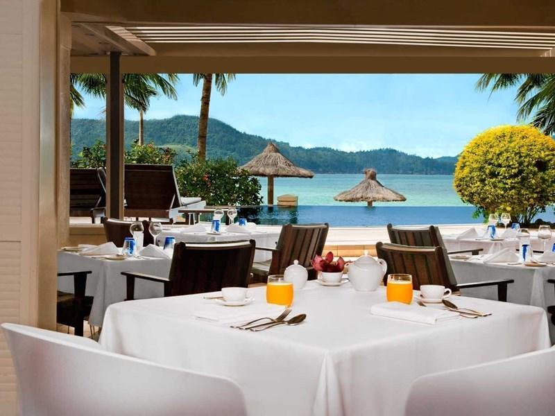 beach club dine view - hamilton island