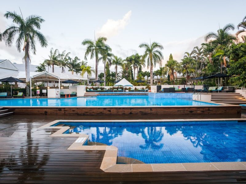 pool shanri-la cairns