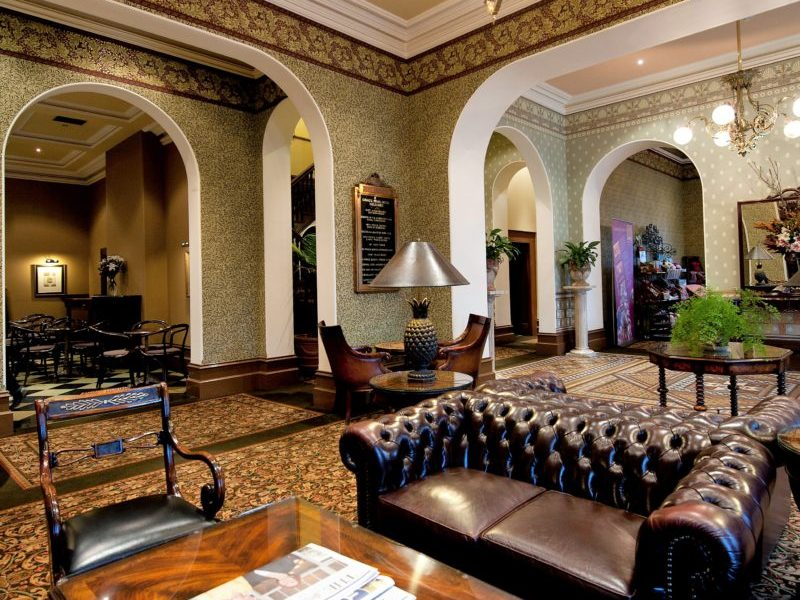 VIC_Self-Drive_Goldfields_Craigs-Royal-Hotel-Foyer